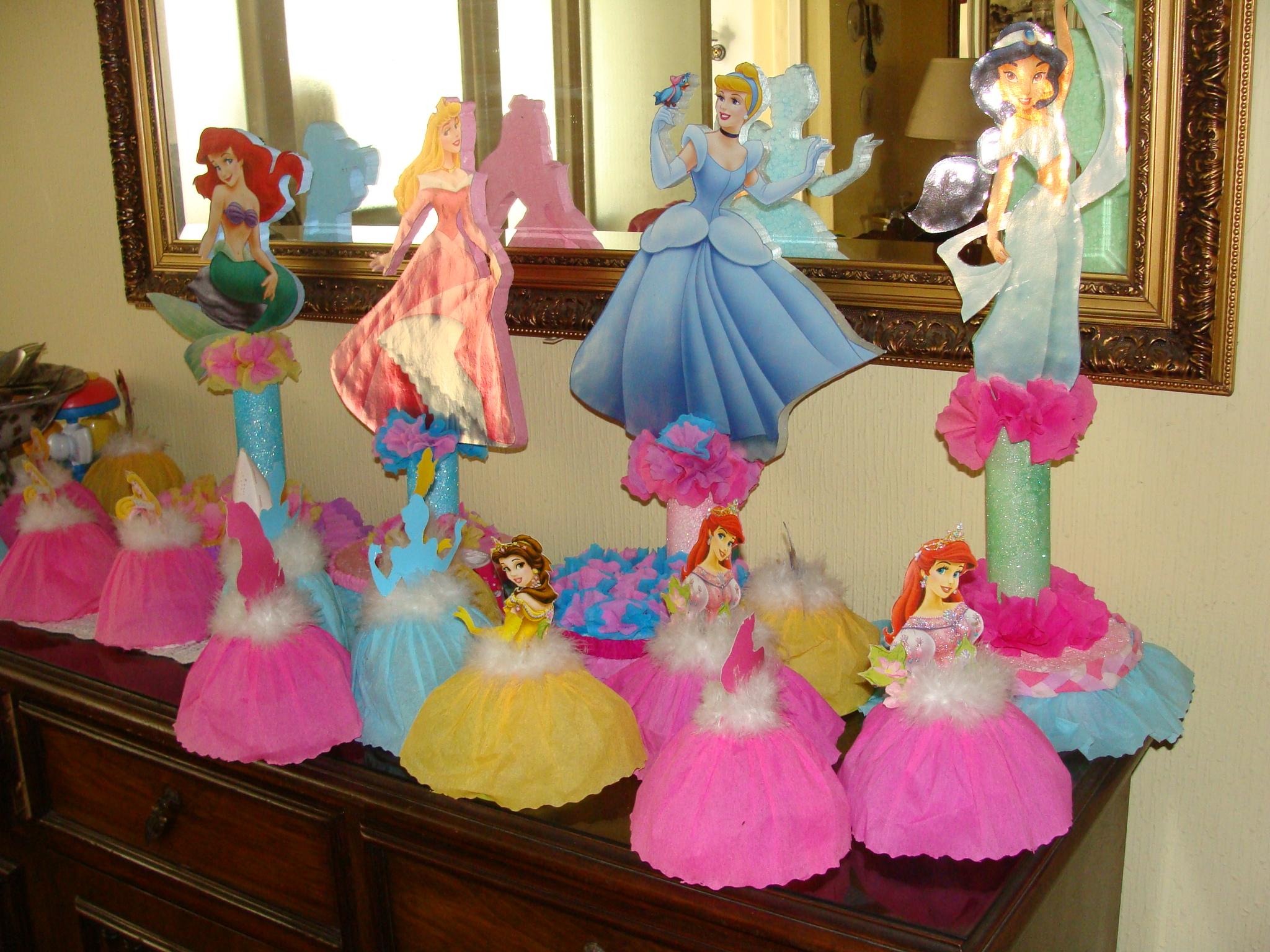 Papel crep la cajita azul de roc o - Fiestas infantiles princesas disney ...