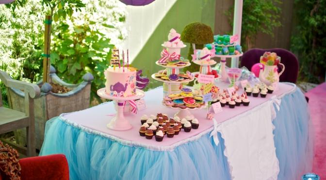 Decoración de mesas de cumpleaños para niñas